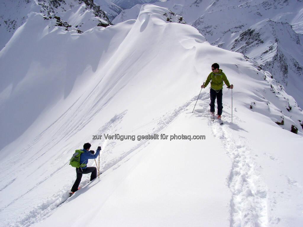 Lawinengefahr - Risiko richtig einschätzen mit einem Kurs und den 10 Empfehlungen des Alpenvereins - Erfahrung allein ist zu wenig! (Bild: ÖAV/Michael Larcher), © Aussender (09.01.2015)