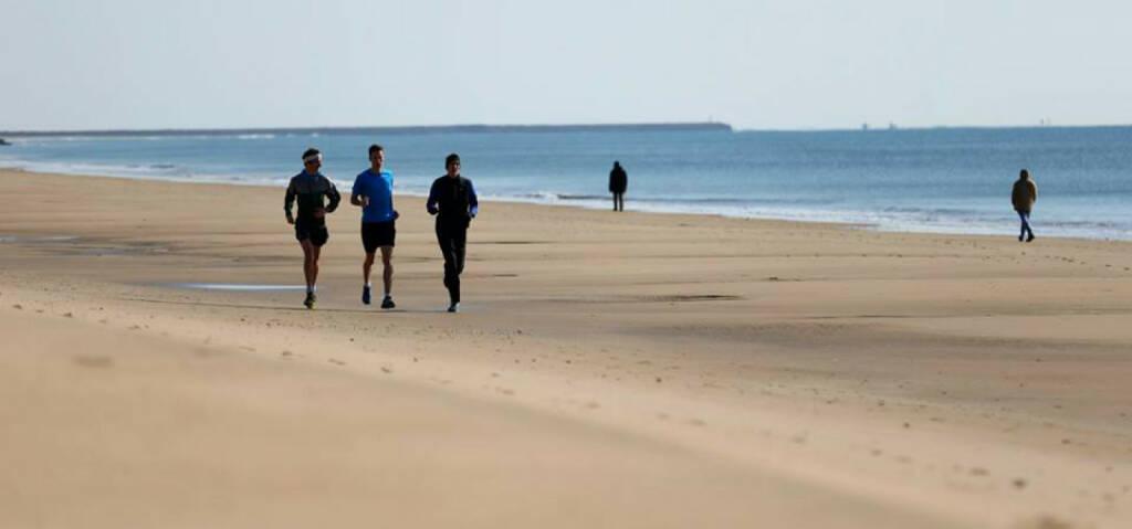 Martin Himmelbauer, Dominik Stadlmann, Andreas Vojta, Strandlauf, laufen, Strand, Meer, © Wilhelm Lilge (10.01.2015)