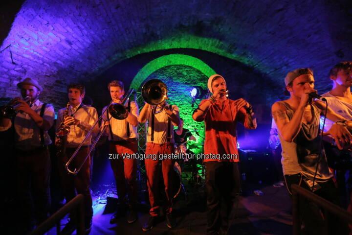 Brau Union Österreich AG: Österreichs größter Live Band Contest Local Heroes 2015: Mit Zipfer wartet ein Auftritt am FM4 Frequency auf die Gewinner