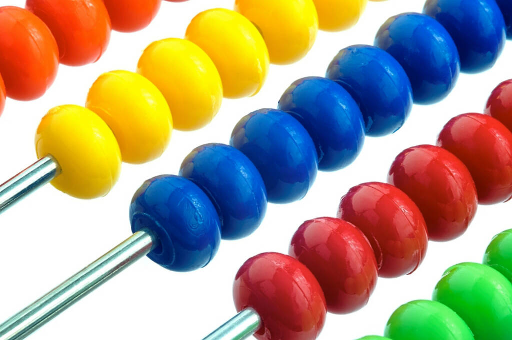 Innovation, Idee, neu, Erfindung, Erneuerung, Rechenschieber, http://www.shutterstock.com/de/pic-184499246/stock-photo-abacus-of-many-colorful-beads-on-white-background.html, © www.shutterstock.com (12.01.2015)