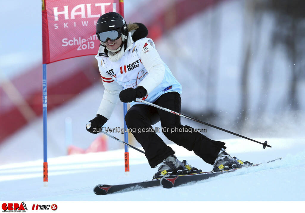 Roswitha Stadlober (Team OESV). Foto: GEPA pictures/ Christian Walgram, © GEPA/Sporthilfe (10.02.2013)