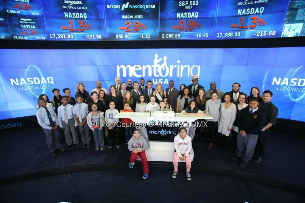 Mentoring USA rang the Nasdaq Closing Bell along with Miss New York USA, Kenneth Cole, PIX 11 BigBrothers BigSisters Citizen Schools and Eagle Academy for Young Men | Newark #NationalMentoringMonth  Source: http://facebook.com/NASDAQ (15.01.2015)