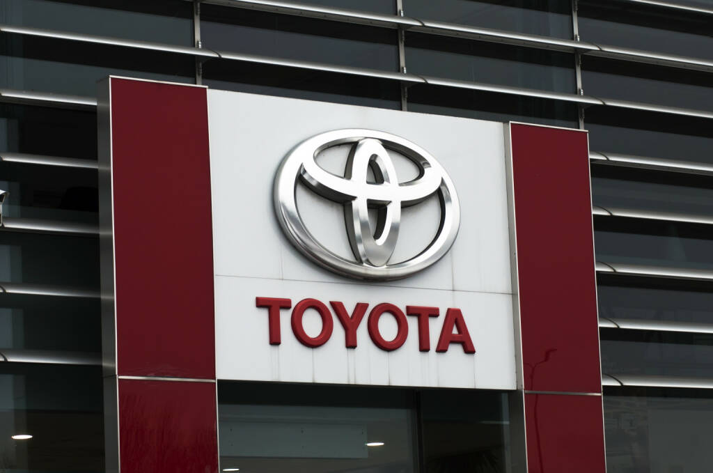 Toyota, Logo <a href=http://www.shutterstock.com/gallery-166267p1.html?cr=00&pl=edit-00>Vytautas Kielaitis</a> / <a href=http://www.shutterstock.com/editorial?cr=00&pl=edit-00>Shutterstock.com</a>, © www.shutterstock.com (15.01.2015)