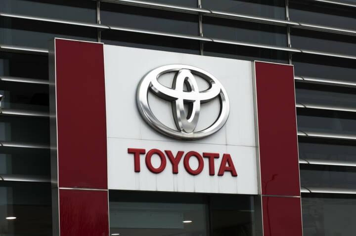 Toyota, Logo <a href=http://www.shutterstock.com/gallery-166267p1.html?cr=00&pl=edit-00>Vytautas Kielaitis</a> / <a href=http://www.shutterstock.com/editorial?cr=00&pl=edit-00>Shutterstock.com</a>
