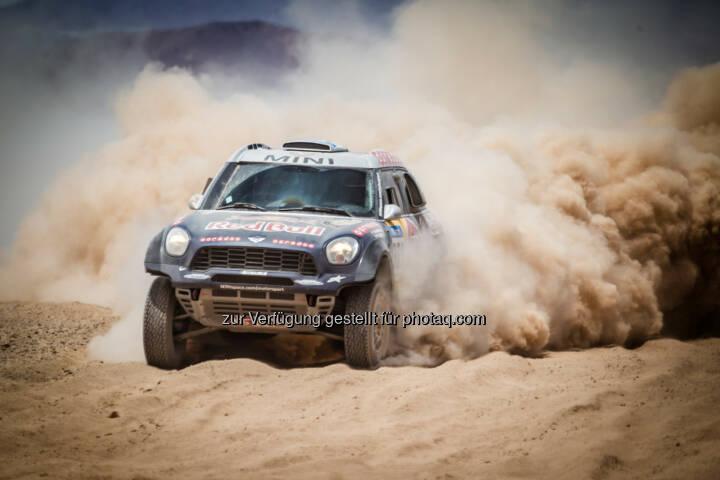 Mini feiert bei der Rallye Dakar 2015 weiteren Doppelsieg // Nasser Al-Attiyah hält Konkurrenz auf Distanz // Drei Mini All 4 Racing in der Gesamtwertung unter den ersten Fünf.