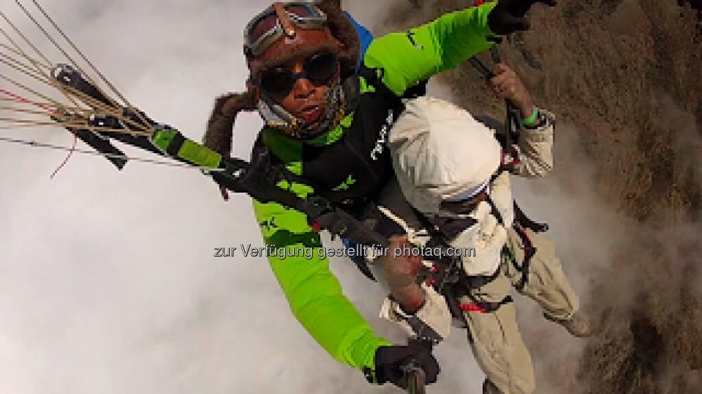 Babu beschreibt seinen Flug vom Kilimanjaro, da kann man nur den Hut ziehen! Wings have flown ...  http://skyschooluk.blogspot.com/2013/02/babus-epic-flight-from-mt-kilimanjaro.html , © Karl Mauracher (11.02.2013)