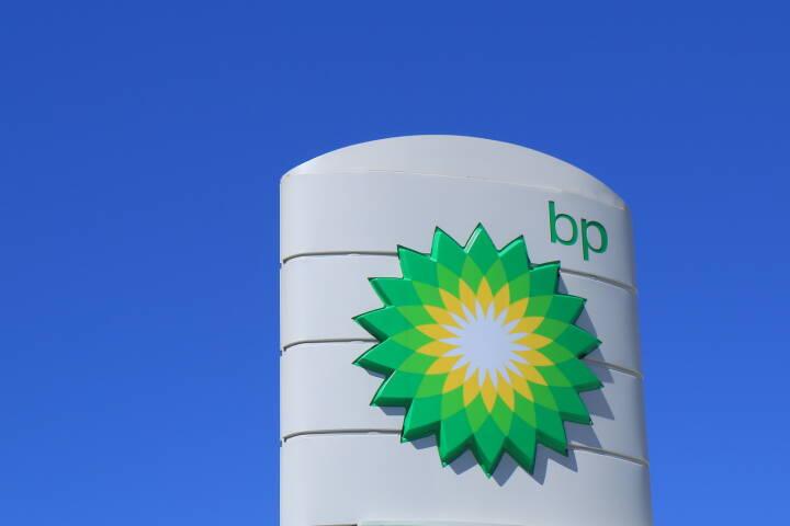 BP, British Petrol, Logo, Tankstelle <a href=http://www.shutterstock.com/gallery-1778405p1.html?cr=00&pl=edit-00>TK Kurikawa</a> / <a href=http://www.shutterstock.com/editorial?cr=00&pl=edit-00>Shutterstock.com</a>