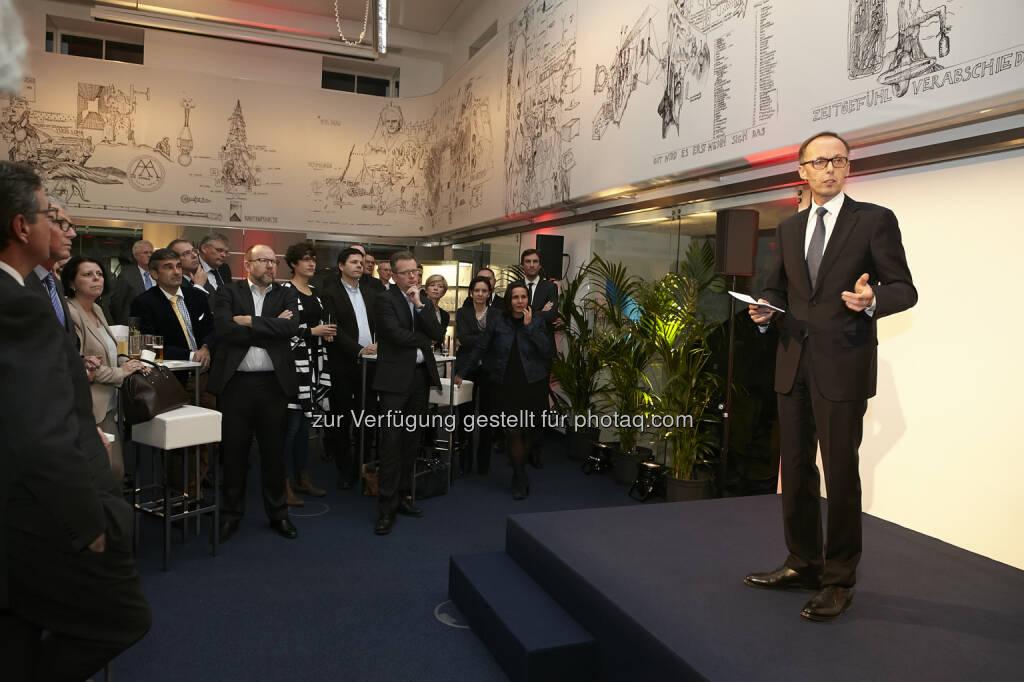 Klaus Malle eröffnet artstripe nr. 14, © Accenture (21.01.2015)