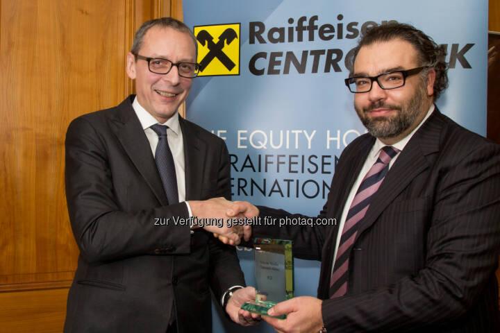 Willi Celeda (RCB), Dominik Damm (Deloitte). Siehe http://www.christian-drastil.com/2015/01/21/3x_number_one_award-ubergabe_rcb-ceo_sieht_viel_potenzial_im_wiener_aktienmarkt