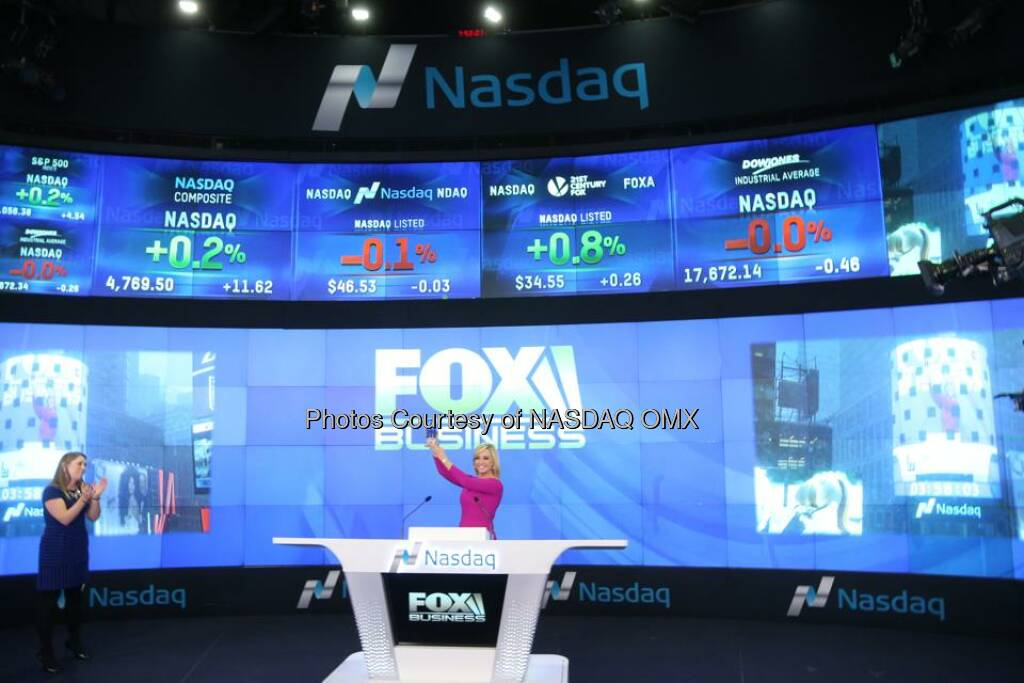 Fox Business' Strange Inheritance with Jamie Colby rings the Nasdaq Closing Bell! $FOXA  Source: http://facebook.com/NASDAQ (27.01.2015)