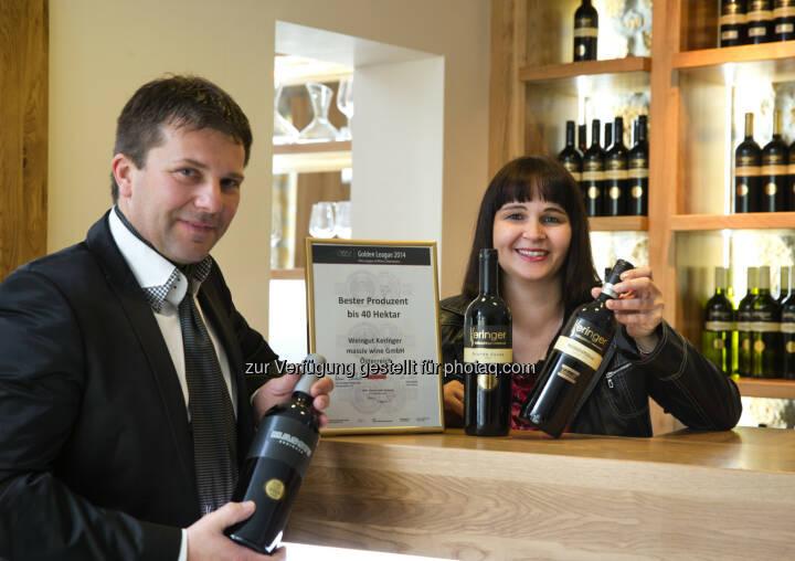 Robert Keringer Marietta Keringer: Weingut Keringer: Keringer aus Mönchhof ist Golden League Gewinner und erhält den Titel Bester Produzent für seine Weine.
