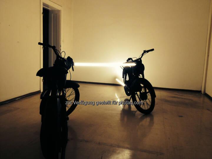 Arbeit von Markus Taxacher für die Ausstellung random thoughts of a daily light im Kunstverein das weisse haus