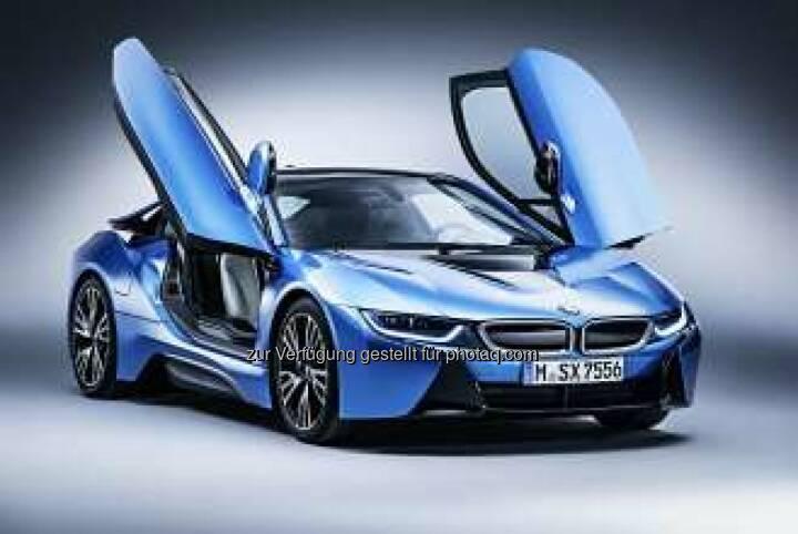 """BMW bei der Leserwahl von """"auto motor und sport"""" ausgezeichnet. BMW 5er Reihe bei """"Best Cars 2015"""" erfolgreich, BMW i8 gewinnt """"International Paul Pietsch Award""""."""