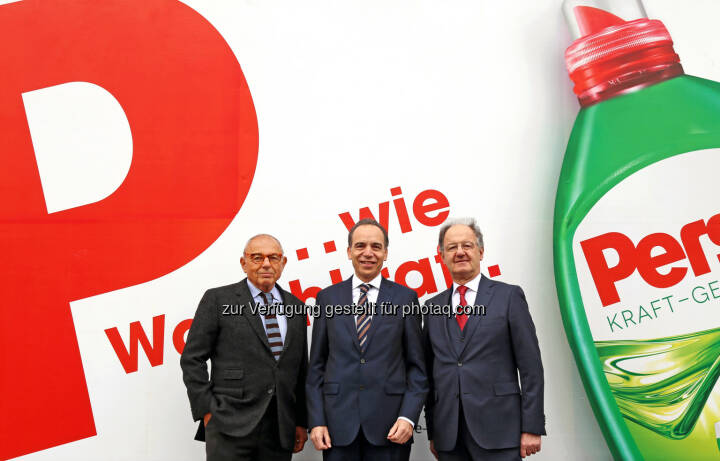 Mariusz Jan Demner (D,M&B), Günter Thumser (Präsident Markenartikelverband) und Ernst Klicka (Geschäftsführer Markenartikelverband): Demner, Merlicek & Bergmann: Das Alphabet der großen Marken