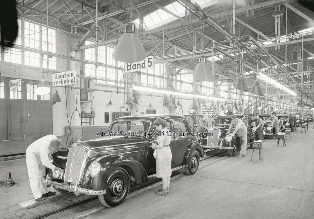 Mercedes-Benz in Sindelfingen feiert in diesem Jahr 100-jähriges Standortjubiläum: Produktion des Mercedes-Benz 220 im Jahre 1951, © Aussendung (30.01.2015)