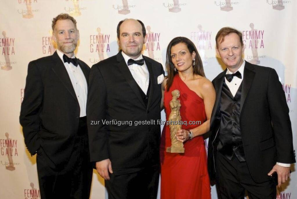 Walter Costello (President, Underfashion Club), Andreas Dorner (Global Marketing Director of Lenzing), Tricia Carey (North America Merchandising Manager of Lenzing), Bart Kennedy (Marketing Director of Americas of Lenzing) - Lenzing Femmy Preisträger 2013 - US-Unterwäschebranche ehrt die Leistungen von Lenzing (c) Lenzing AG (13.02.2013)