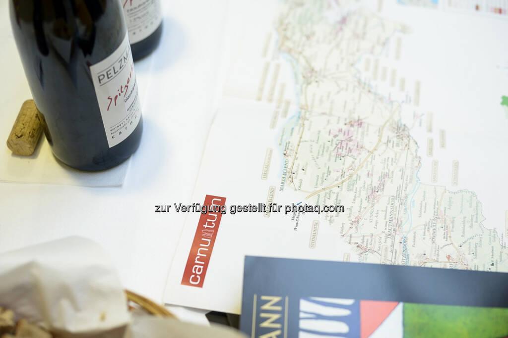 NZZ - Verkostung Spitzerberg-Weine, © Daniel Shaked, NZZ.at (03.02.2015)