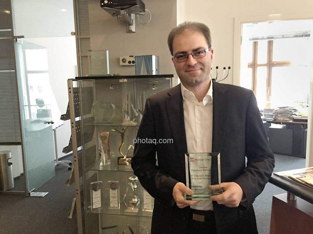 Fondsmanager Michael Kukacka, Erste Sparinvest,  mit dem Number One Award für den Größten Österreich-Aktienfonds - RT Österreich Aktienfonds., © photaq/Martina Draper (03.02.2015)