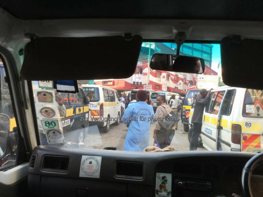Stau, Verkehr in Nairobi, Kenia, © Thomas Kratky (18.02.2015)