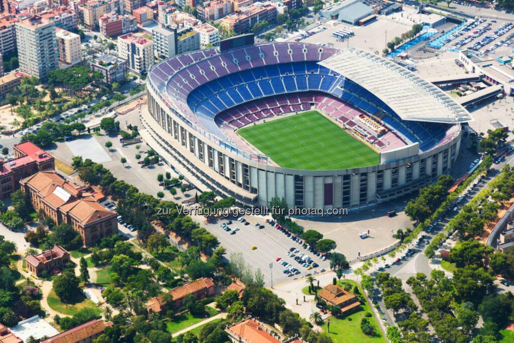 Camp Nou, Stadion, Fussball, FC Barcelona, http://www.shutterstock.com/de/pic-221573320/stock-photo-the-largest-stadium-of-barcelona-from-helicopter-spain.html, © www.shutterstock.com (18.02.2015)