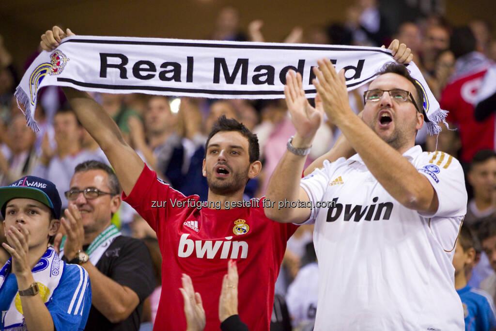 Real Madrid, Fussball, Fan, Jubel, <a href=http://www.shutterstock.com/gallery-498355p1.html?cr=00&pl=edit-00>Natursports</a> / <a href=http://www.shutterstock.com/editorial?cr=00&pl=edit-00>Shutterstock.com</a>, Natursports / Shutterstock.com, © www.shutterstock.com (18.02.2015)