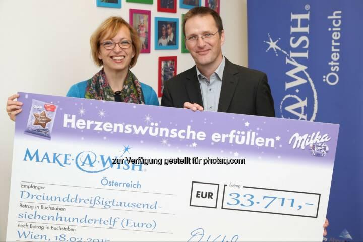 Doris Regele (Präsidentin der Make-A-Wish Foundation® Österreich), Andreas Kutil (Managing Director Mondelez Österreich): Mondelez Österreich: Fast 34.000 Euro für die Make-a-wish foundation