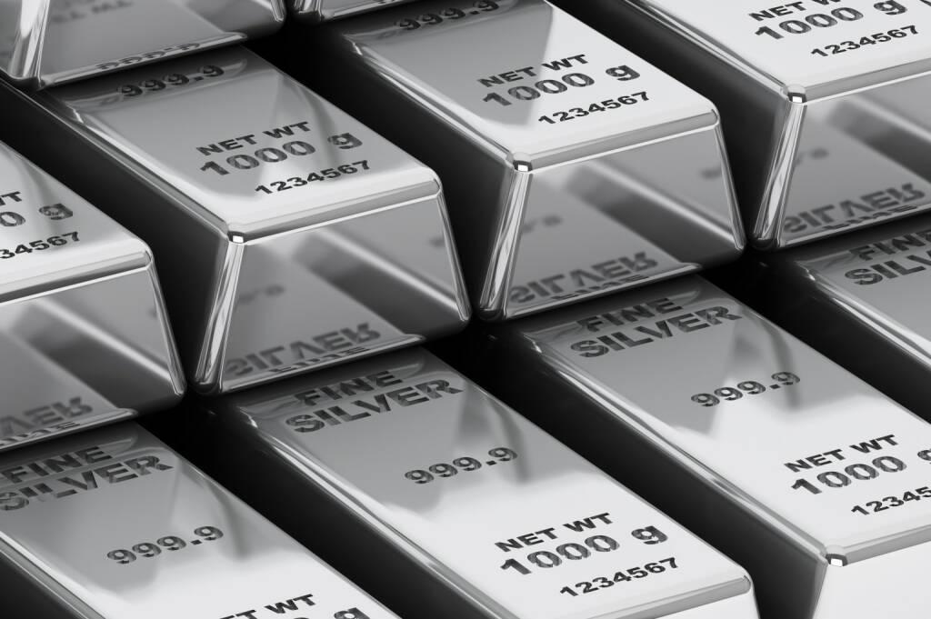 Silber, Barren http://www.shutterstock.com/de/pic-176799659/stock-photo-stack-of-bank-silver-bars-extreme-closeup.html, © www.shutterstock.com (20.02.2015)