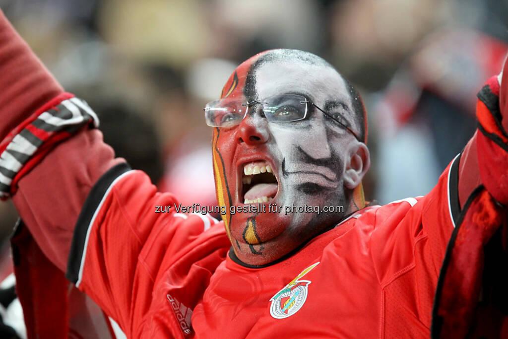 SL Benfica, Benfica Lissabon, Portugal, Fan, yes, Freude, Schrei, <a href=http://www.shutterstock.com/gallery-1100387p1.html?cr=00&pl=edit-00>Ververidis Vasilis</a> / <a href=http://www.shutterstock.com/editorial?cr=00&pl=edit-00>Shutterstock.com</a>, Ververidis Vasilis / Shutterstock.com, © www.shutterstock.com (25.02.2015)