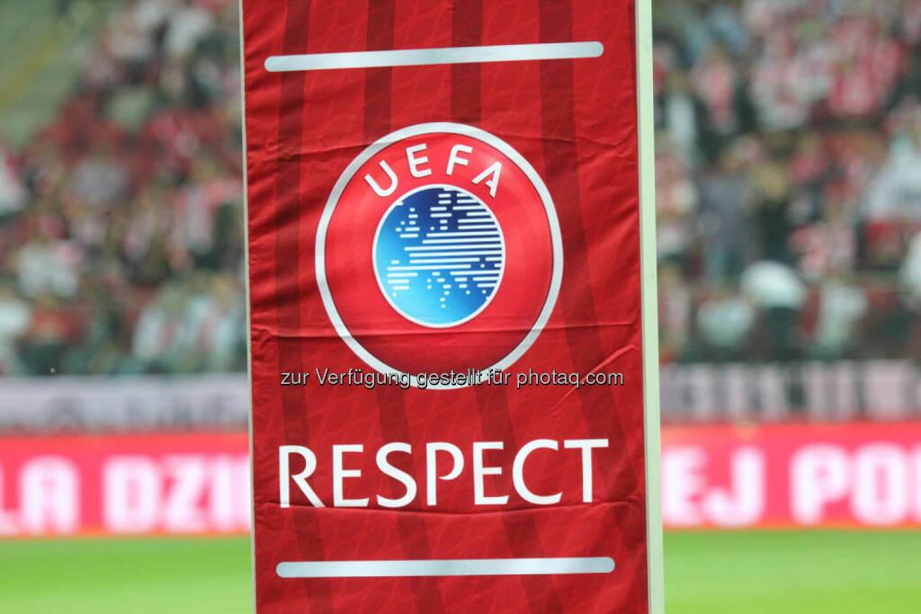 UEFA, Respekt, Fussball, <a href=http://www.shutterstock.com/gallery-264046p1.html?cr=00&pl=edit-00>Tomasz Bidermann</a> / <a href=http://www.shutterstock.com/editorial?cr=00&pl=edit-00>Shutterstock.com</a>, Tomasz Bidermann / Shutterstock.com, © www.shutterstock.com (25.02.2015)