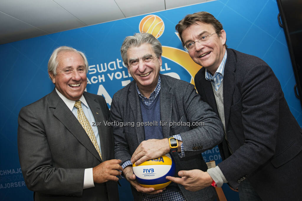 Präsident FIVB Präsident, Ary S. Graça F° - Swatch Group CEO Nicolas Hayek - Major Series CEO Hannes Jagerhofer: Swatch Beach Volleyball Major Series: Beach Volleyball setzt für globale Expansion auf neue Partner, © Aussendung (26.02.2015)