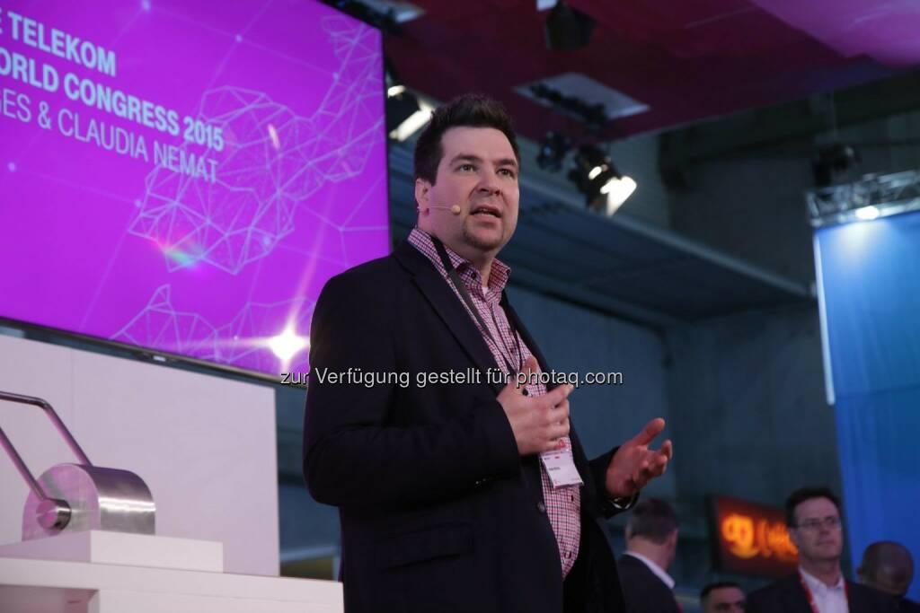 Auf dem diesjährigen GSMA Mobile World Congress vom 2. bis 5. März zeigt sich die Deutsche Telekom als Technologieführer. Die beste Technologie ist die Basis für ein optimales Kundenerlebnis. Der Stand der Telekom in Halle 3 zeigt Produkte, die Konnektivität, Vertrauen und Einfachheit widerspiegeln. http://www.telekom.com/mwc-2015 ^lena  Source: http://facebook.com/deutschetelekom (03.03.2015)