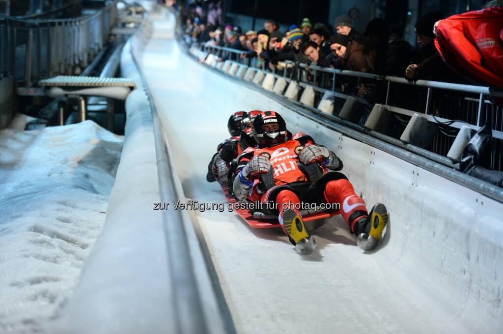 Innsbruck Tourismus: TV Total Wok-WM rast wieder nach Innsbruck, © Aussendung (04.03.2015)