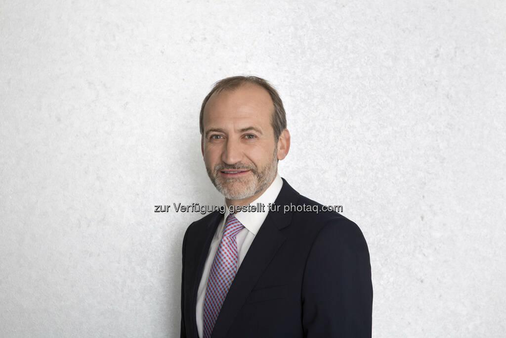 Alejandro Plater zum COO der Telekom Austria Group bestellt - In der heutigen Aufsichtsratssitzung der Telekom Austria AG wurde Alejandro Plater (47) zum Chief Operating Officer (COO) der Telekom Austria Group bestellt. Er wird in seiner Funktion direkt an CEO Dr. Hannes Ametsreiter berichten und als COO für Technik, Einkauf und Marktbereiche zuständig sein. CTO DI Günther Ottendorfer scheidet mit dem heutigen Tag aus dem Vorstand aus. (Bild: Udo Titz), © Aussender (05.03.2015)