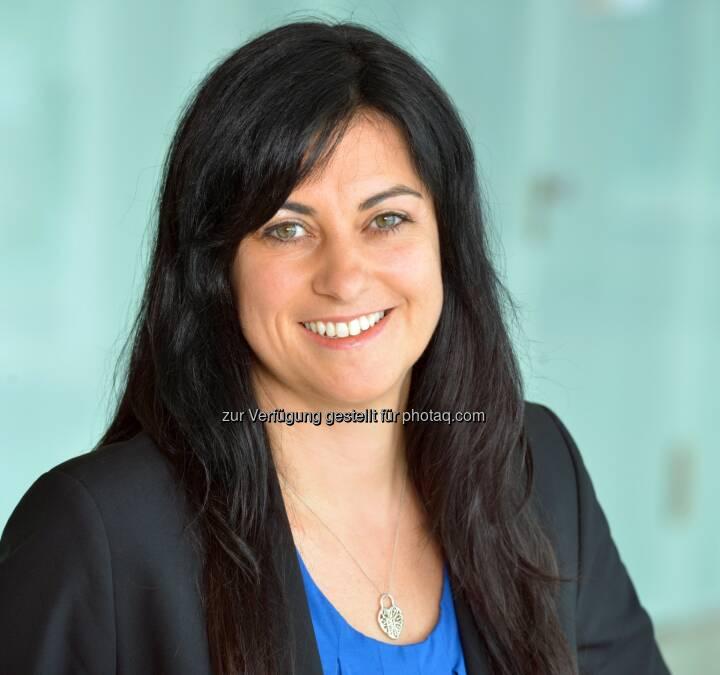 Sandra Babylon, Managing Director im Geschäftsbereich Financial Services und Leiterin der Women Initiative bei Accenture im deutschsprachigen Raum: Accenture-Studie 2015: Frauen fühlen sich den Anforderungen der digitalen Arbeitswelt gewachsen