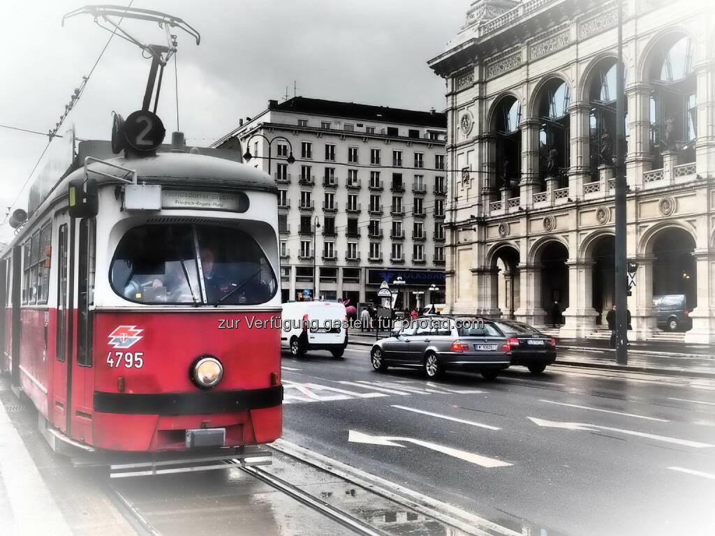 Wien Oper Strassenbahn, © Dirk Herrmann (08.03.2015)