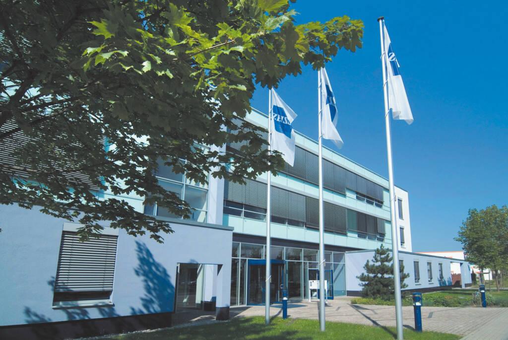 Carl Zeiss Meditec AG, Standort Jena, (C) Carl Zeiss Surgical GmbH, © Carl Zeiss Meditec (Homepage) (08.03.2015)