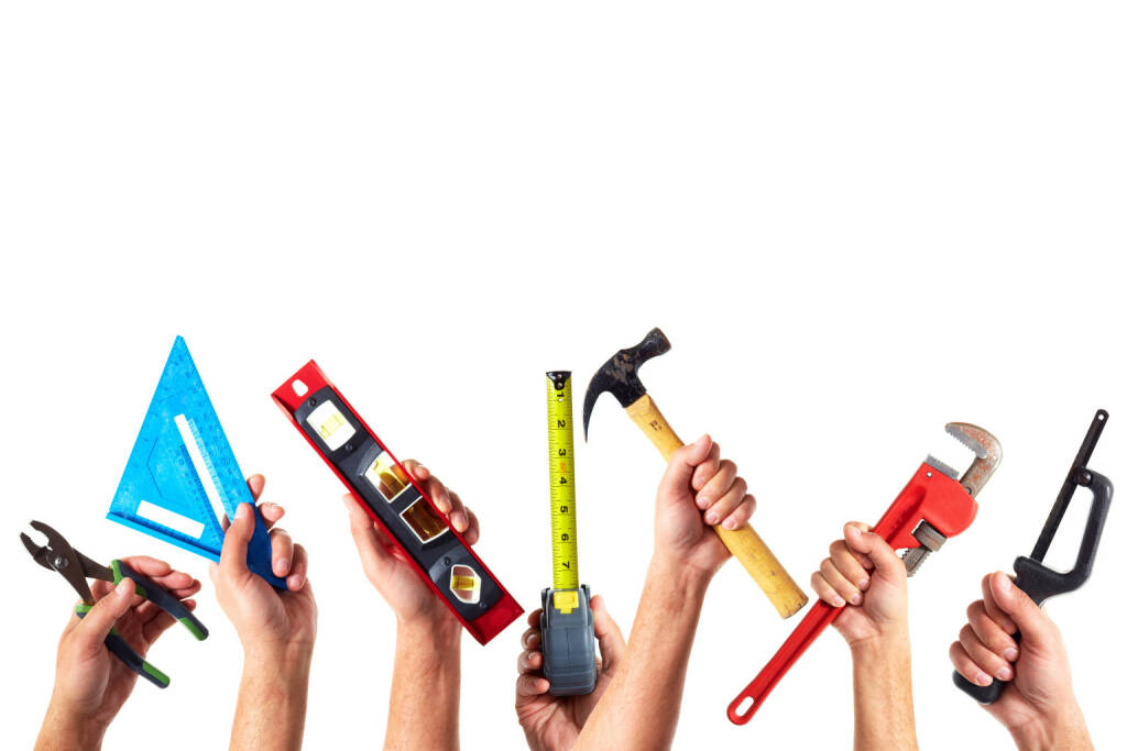 Werkzeug, Zange, Dreieck, Hammer, Messband, Wasserwaage - http://www.shutterstock.com/de/pic-188658908/stock-photo-set-of-construction-tools-house-renovation-background.html, © www.shutterstock.com (09.03.2015)