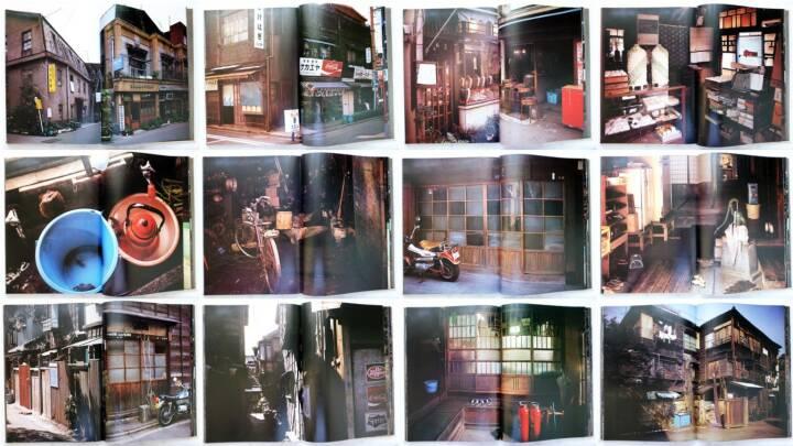 Yutaka Takanashi - Machi – Town, Asahi Shibun-sha 1977, Beispielseiten, sample spreads - http://josefchladek.com/book/yutaka_takanashi_-_machi_town