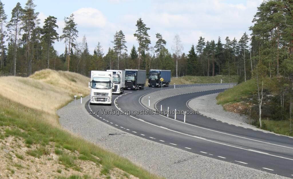 Kapsch AG: Höhere Sicherheit und geringerer Treibstoffverbrauch durch zukunftsweisende Technologien im Güterverkehr - V2X-Technologie für LKW-Platooning (Bild: Kapsch AG/RelCommH), © Aussendung (12.03.2015)