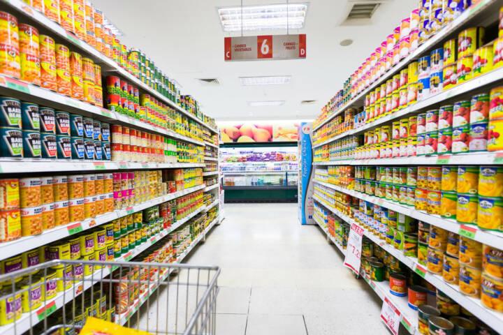 konsum verbraucher einkaufen supermarkt waren regal lebensmittel. Black Bedroom Furniture Sets. Home Design Ideas