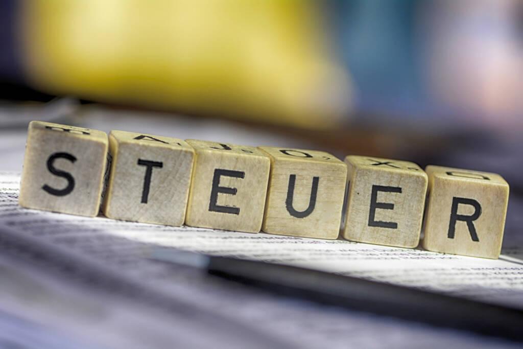 Steuer, Steuern, http://www.shutterstock.com/de/pic-180112499/stock-photo-german-word-for-taxes-steuern.html, © www.shutterstock.com (17.03.2015)