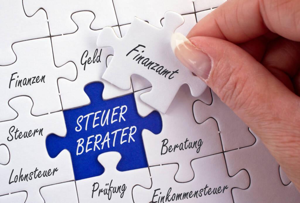 Steuerberater, http://www.shutterstock.com/de/pic-168033260/stock-photo-tax-consultant-german-language-steuerberater.html, © www.shutterstock.com (17.03.2015)