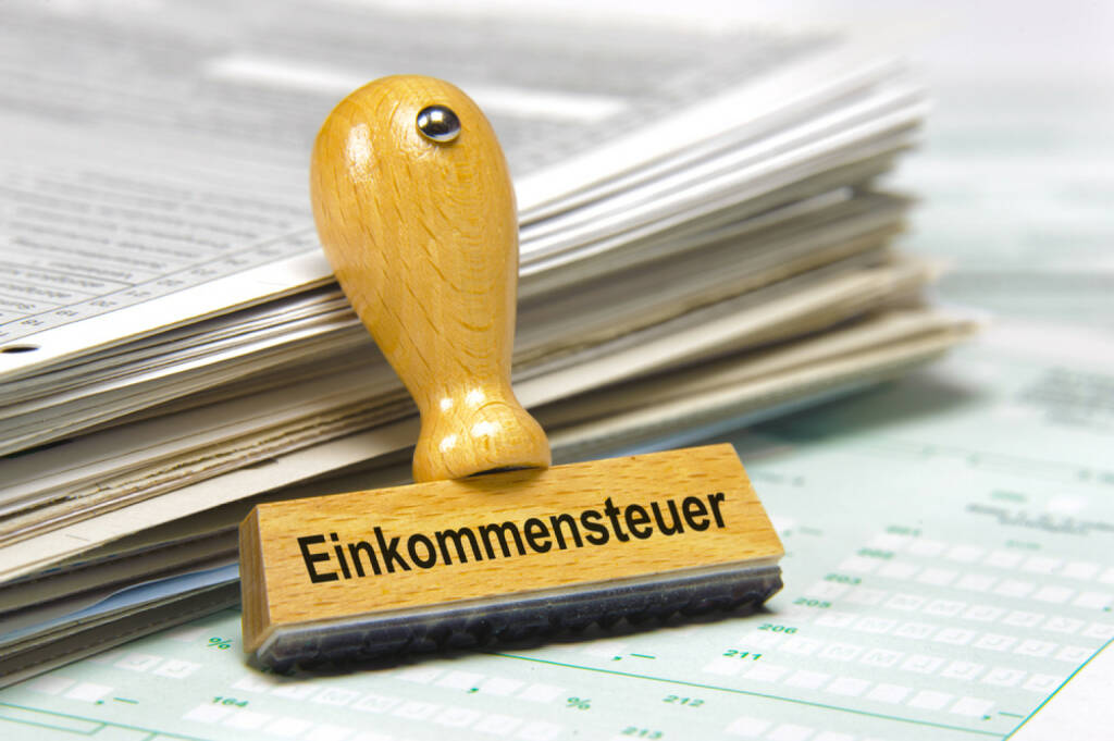 Einkommenssteuer, http://www.shutterstock.com/de/pic-200308751/stock-photo-income-tax-marked-on-german-rubber-stamp.html, © www.shutterstock.com (17.03.2015)