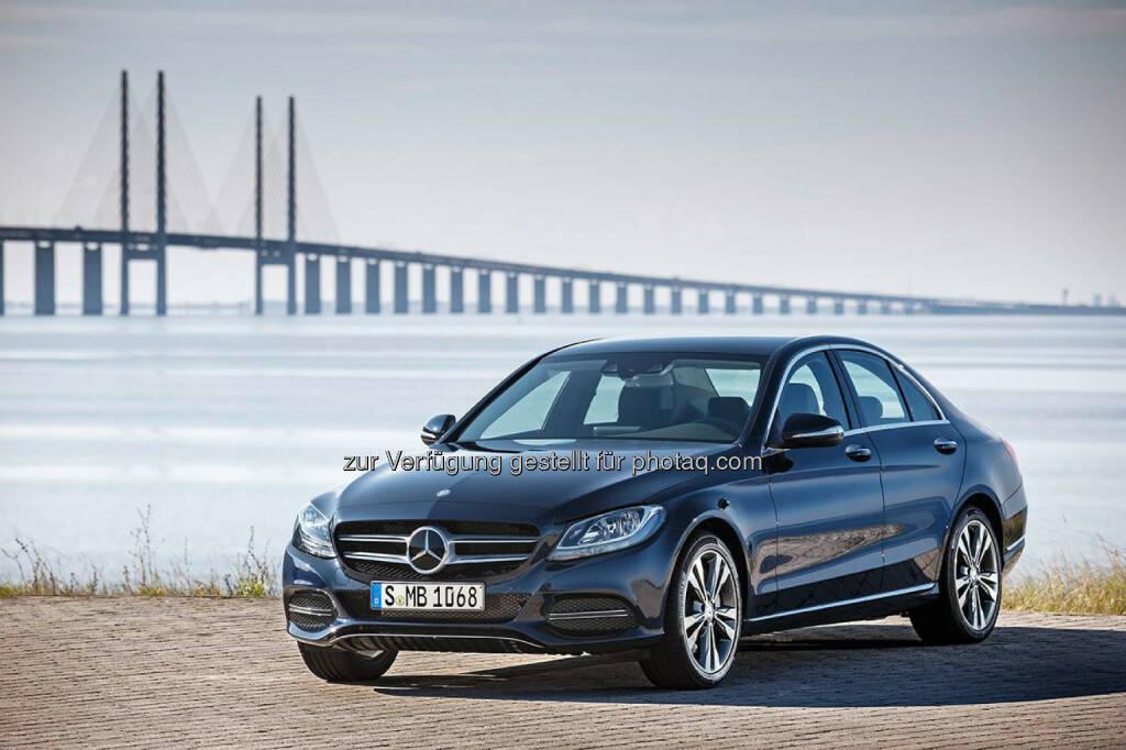 Umweltzertifikat für den Mercedes-Benz C 350 e vom TÜV Süd, © Aussendung (17.03.2015)