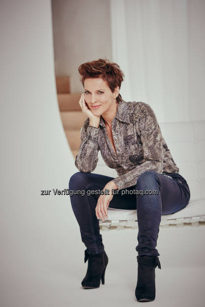 Die Schauspielerin Sabine Petzl im Videointerview der Pfizer-Initiative Get Old: Pfizer Corporation Austria: Stolz auf gelebte Jahre, © Aussender (18.03.2015)