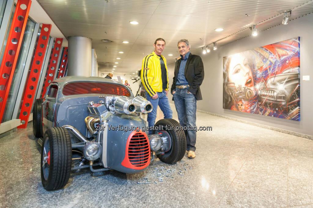 """Knud Tiroch und Christian Clerici mit dem Volksrodder bei der Eröffnung der Ausstellung """"supercharged im Art Room Würth. (18.03.2015)"""
