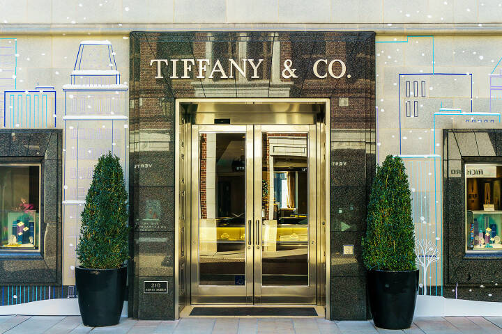 Tiffany & Co, Geschäft in Beverly Hills <a href=http://www.shutterstock.com/gallery-931246p1.html?cr=00&pl=edit-00>Ken Wolter</a> / <a href=http://www.shutterstock.com/editorial?cr=00&pl=edit-00>Shutterstock.com</a>