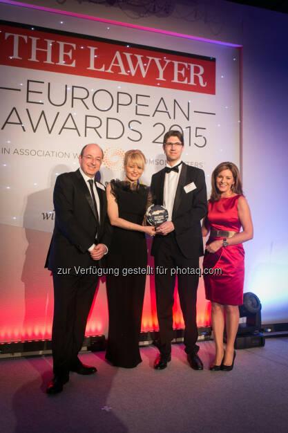 Wolf Theiss Partner Laura T. Struc (Slowenien) und Luka Tadic-Colic (Kroatien) : Wolf Theiss gewinnt den The Lawyer European Award 2015 für Osteuropa und den Balkan, © Aussendung (20.03.2015)