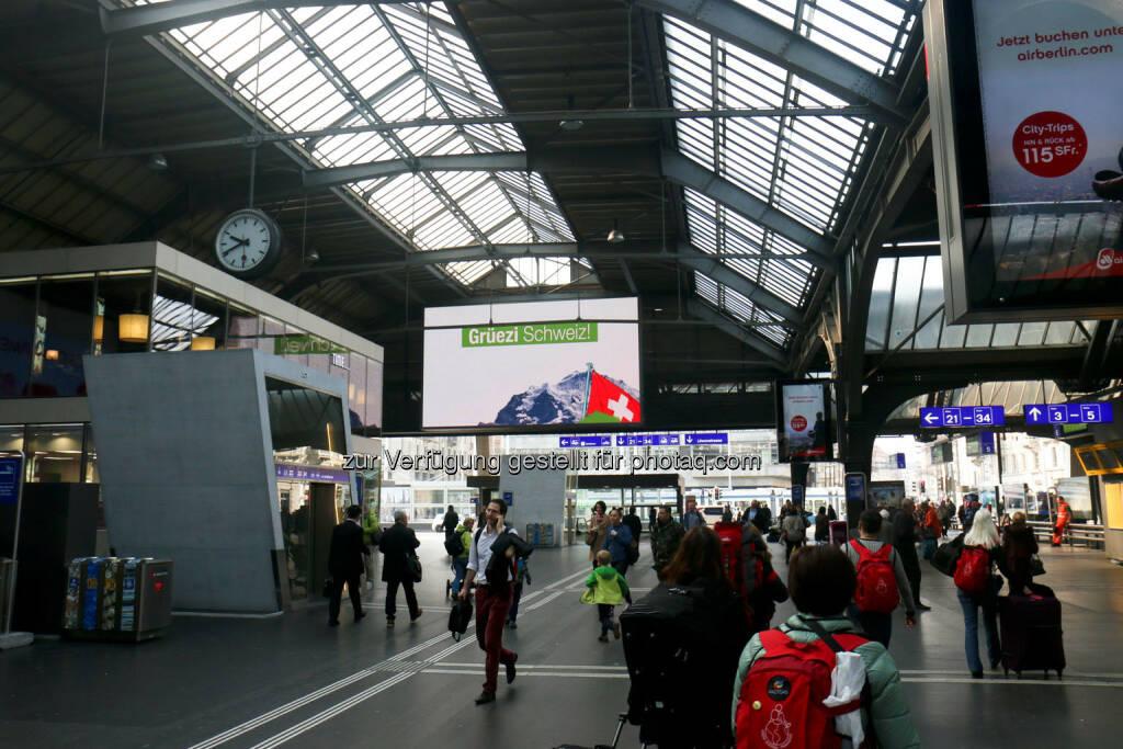 Zürich Hauptbahnhof Grüezi Schweiz wikifolio (24.03.2015)