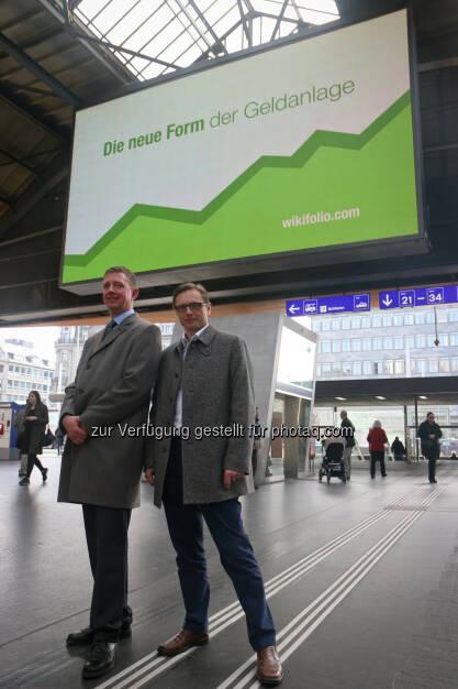 Carsten Lütke-Bornefeld (L&S), Andreas Kern (wikifolio), - wikifolio - Die neue Form der Geldanlage, Zürich Hauptbahnhof (24.03.2015)